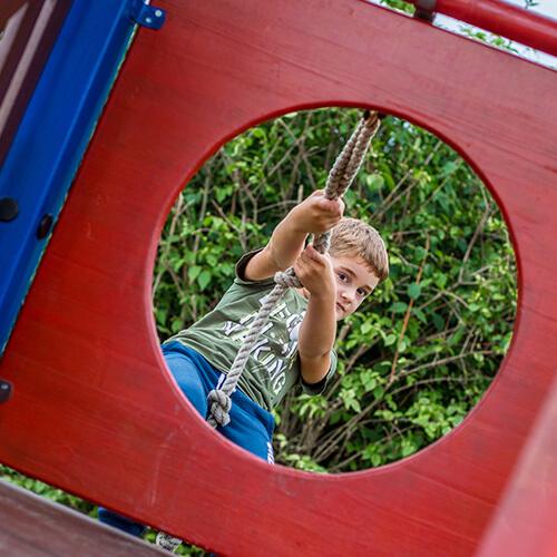 Kletterturm auf der Büdlfarm